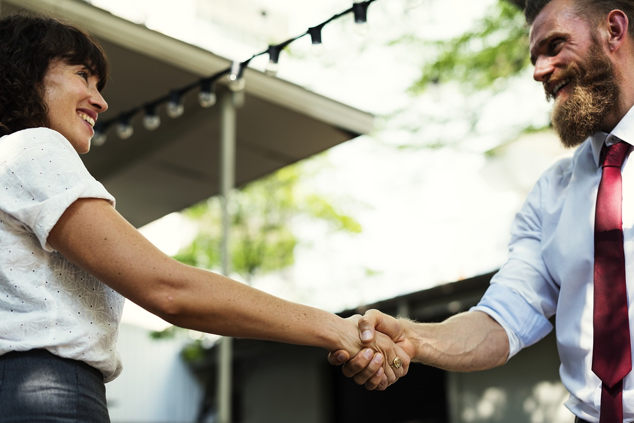 7 Tips for Business Leaders Who Want to Become Better Negotiators